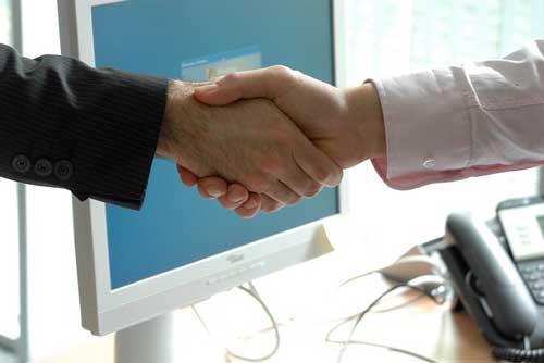Handshake-after-job-interview